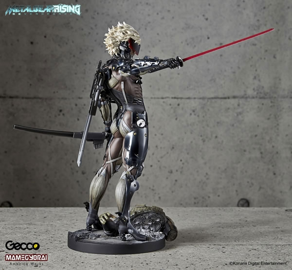 Metal-Gear-Rising-Raiden-Gecco-Statue-24