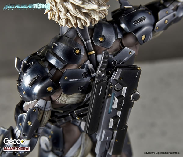 Metal-Gear-Rising-Raiden-Gecco-Statue-27