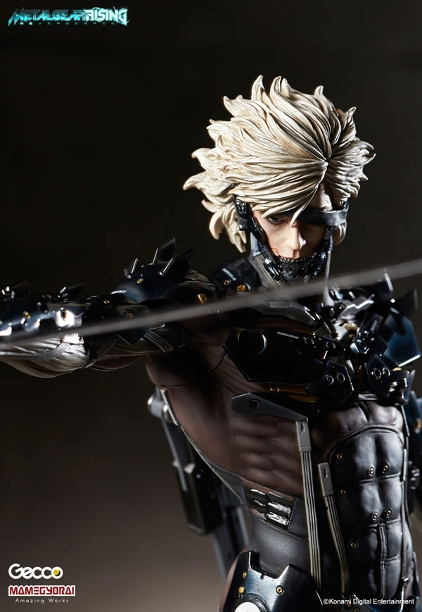 Metal-Gear-Rising-Raiden-Gecco-Statue-3