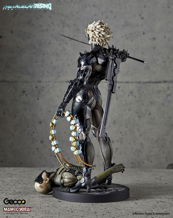 Metal-Gear-Rising-Raiden-Gecco-Statue-7