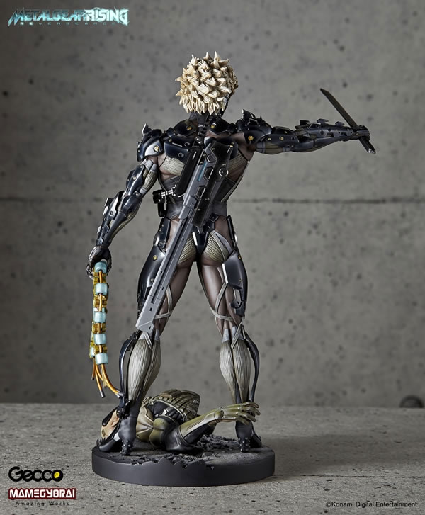 Metal-Gear-Rising-Raiden-Gecco-Statue-8