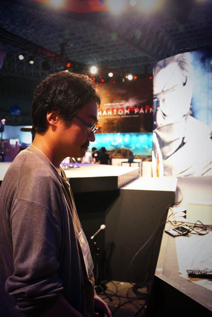 Kojima-Tokyo-Game-Show-2014-Booth-Preparations-6