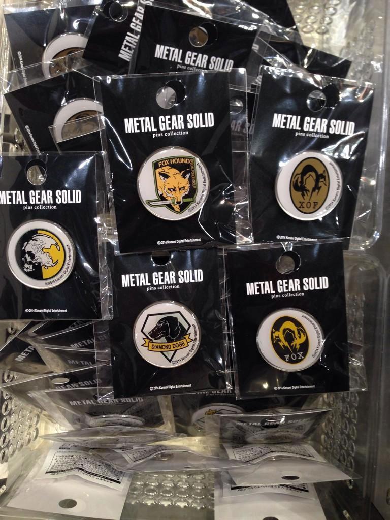 MGSV-TGS-2014-Merchandise-Pins