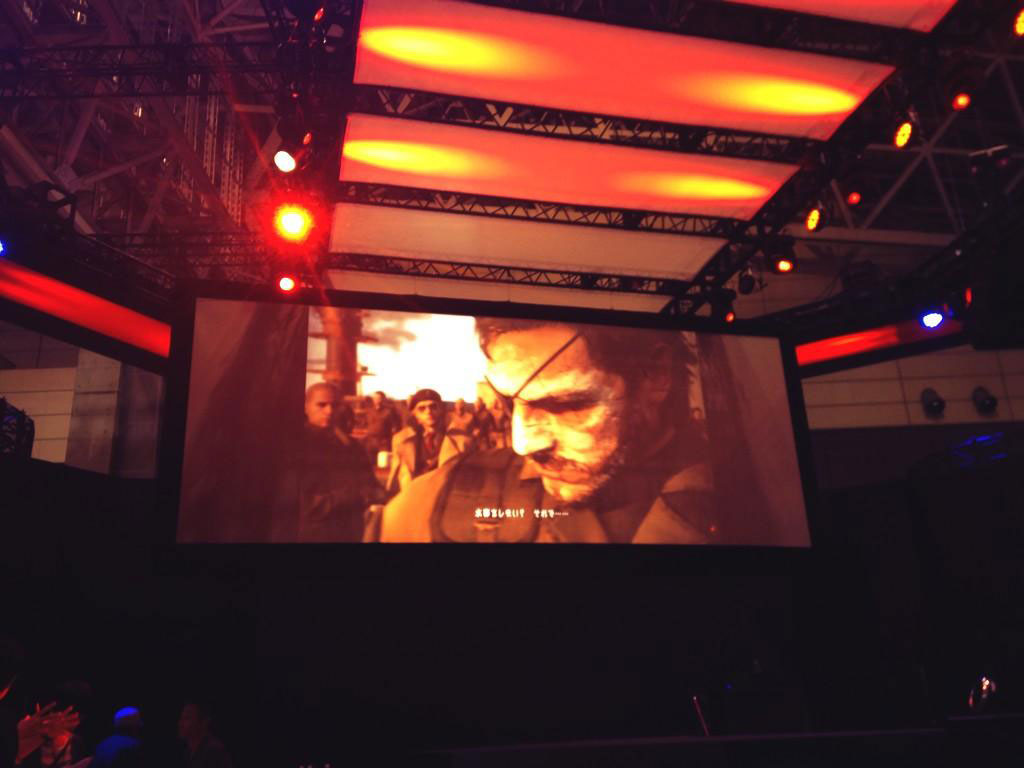 MGSV-Tokyo-Game-Show-2014-Booth-Preparations-3