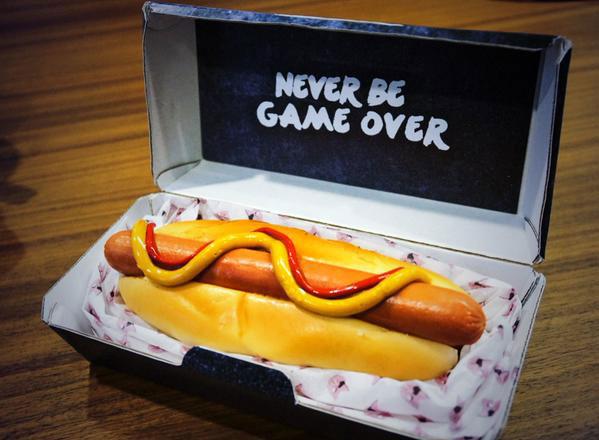 Kojima-LA-Hot-Dog-2