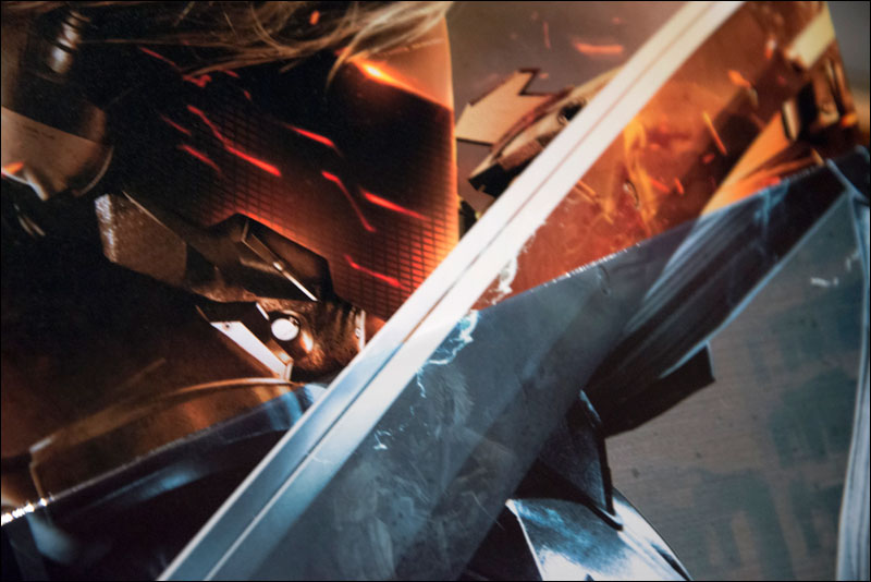 Metal-Gear-Rising-Revengeance-Premium-Package-Close-Up-2