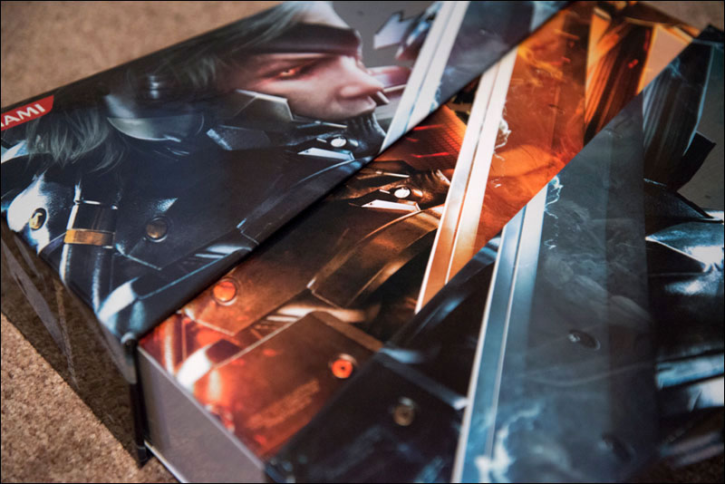 Metal-Gear-Rising-Revengeance-Premium-Package-Opening