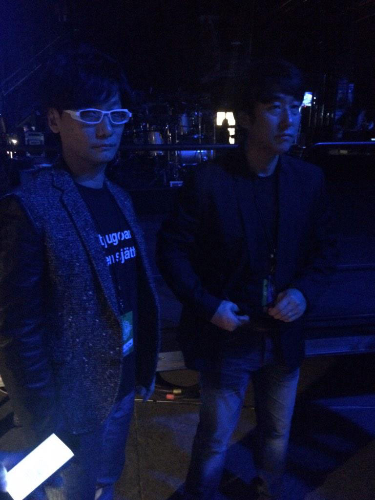 The-Game-Awards-2014-Kojima-and-Tom-Sekine-Preparing