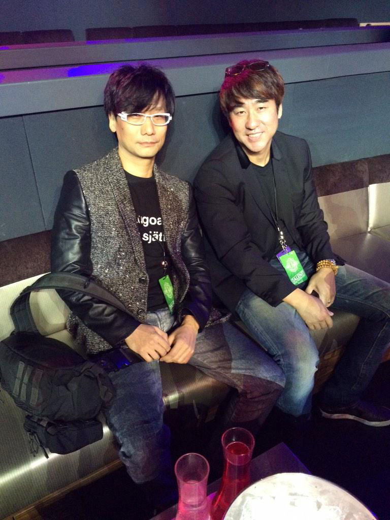 The-Game-Awards-2014-Kojima-and-Tom-Sekine