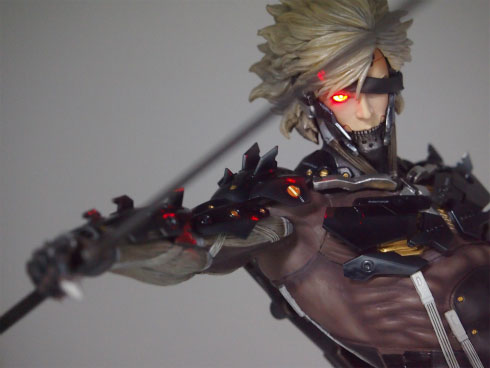 Gecco-Raiden-Inspection-Statue-11
