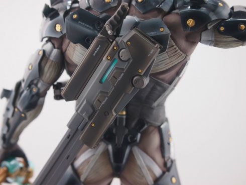 Gecco-Raiden-Inspection-Statue-5