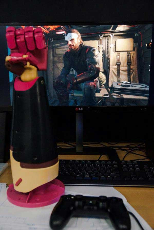 MGSV-Big-Boss-Chopper-Bandages
