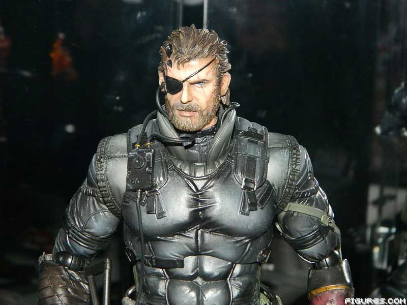 New-York-Toy-Fair-Play-Arts-Sneaking-Suit-Snake