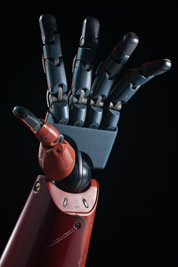 MGSV-TPP-Full-Scale-Bionic-Arm-14
