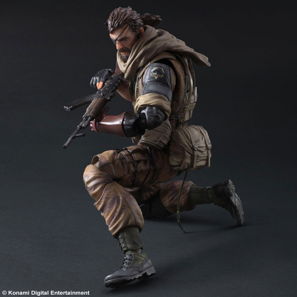 Play-Arts-Venom-Snake-Gold-Tiger-4