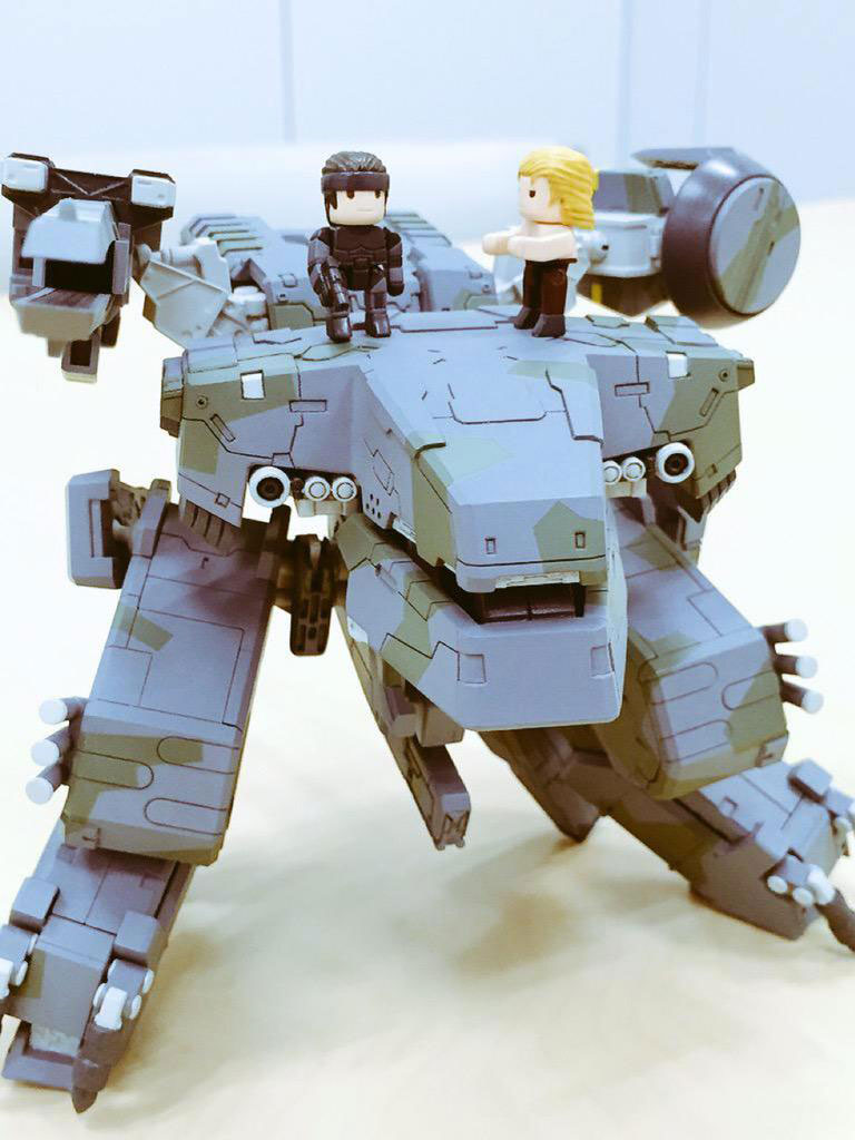 Metal-Gear-REX-Mega-House-Kojima-3