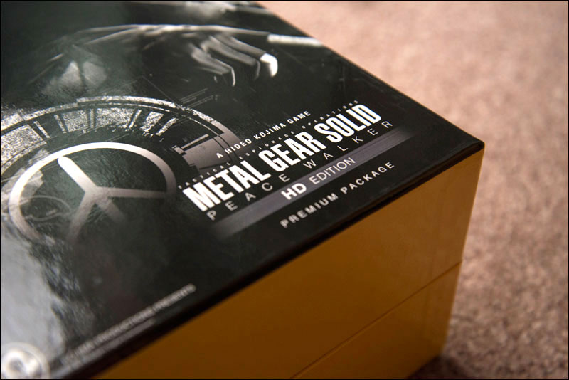 Metal-Gear-Solid-Peace-Walker-HD-Premium-Package-Close