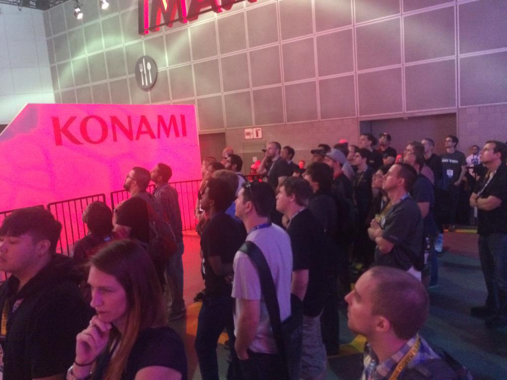 MGSV-Booth-E3-2015-Day-Three-Crowd-2