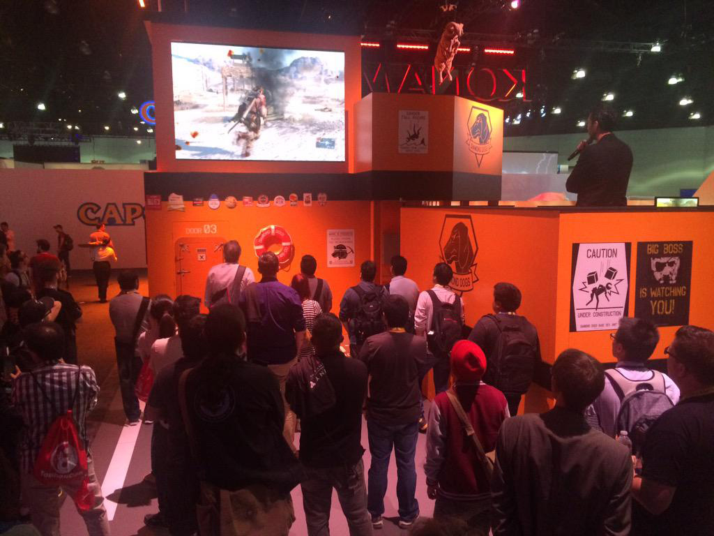 MGSV-Booth-E3-2015-Day-Three-Crowd-3