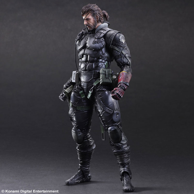 MGSV-TPP-Sneaking-Suit-Snake-Play-Arts-1