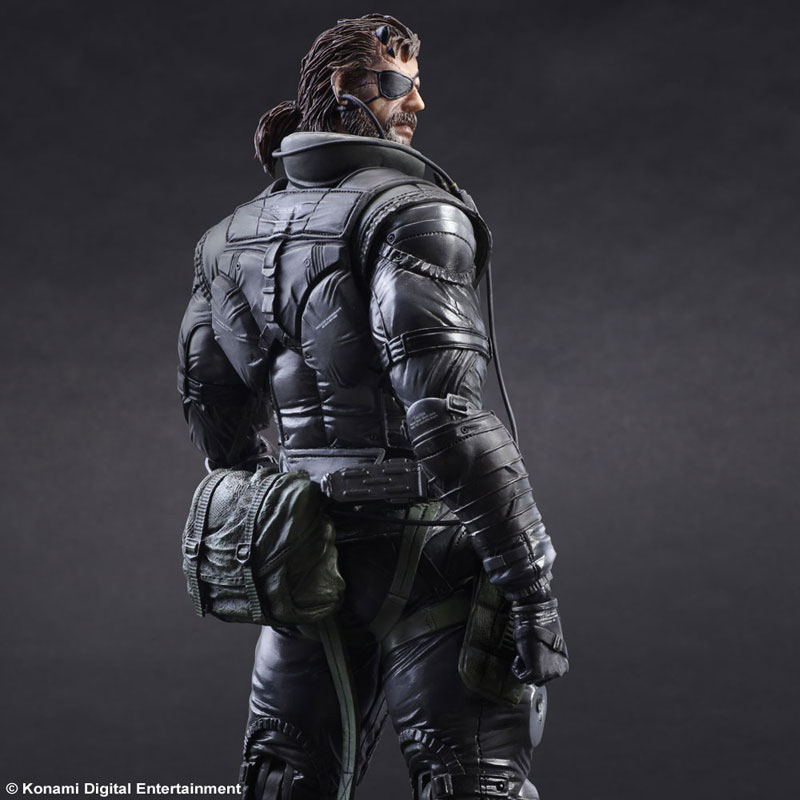 MGSV-TPP-Sneaking-Suit-Snake-Play-Arts-2