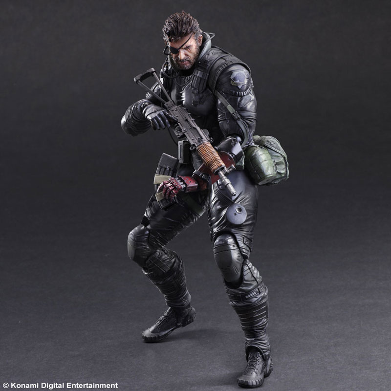 MGSV-TPP-Sneaking-Suit-Snake-Play-Arts-3
