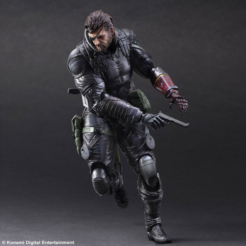 MGSV-TPP-Sneaking-Suit-Snake-Play-Arts-5