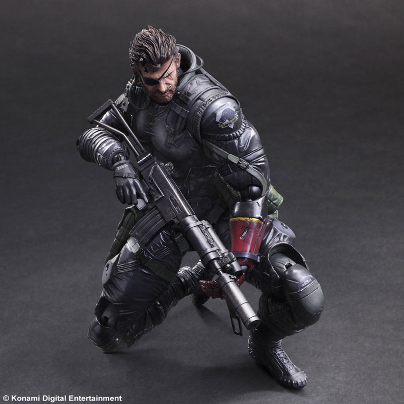 MGSV-TPP-Sneaking-Suit-Snake-Play-Arts-6