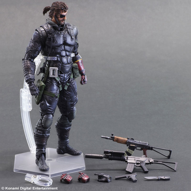 MGSV-TPP-Sneaking-Suit-Snake-Play-Arts-8