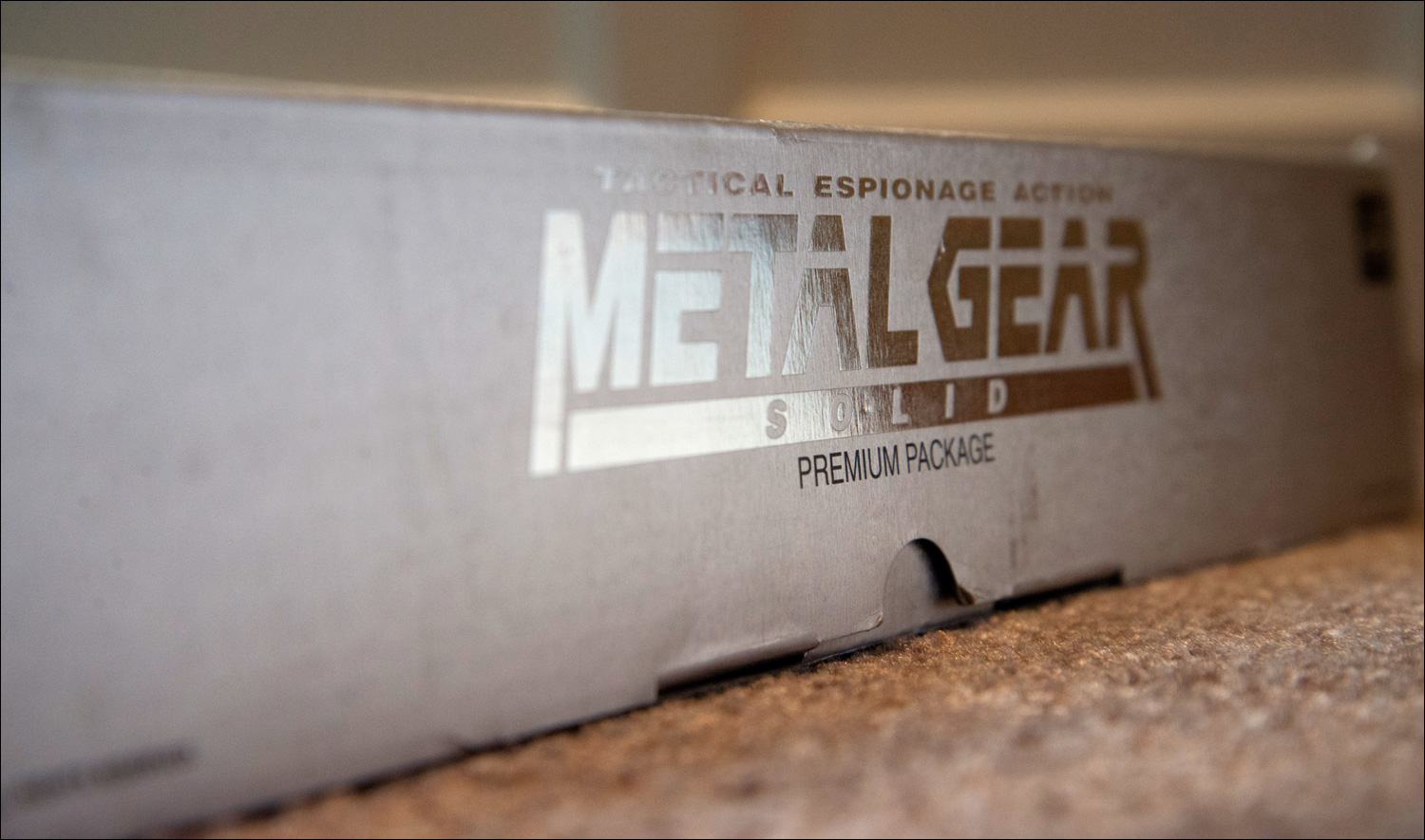 Metal-Gear-Solid-Premium-Package-Side