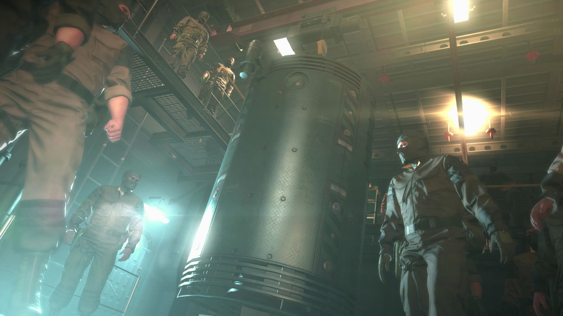 Metal-Gear-Solid-V-The-Phantom-Pain-E3-2015-Screen-Pod
