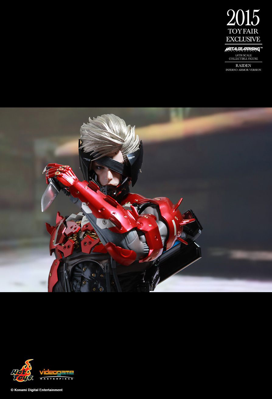 Hot-Toys-Inferno-Armor-Raiden-13