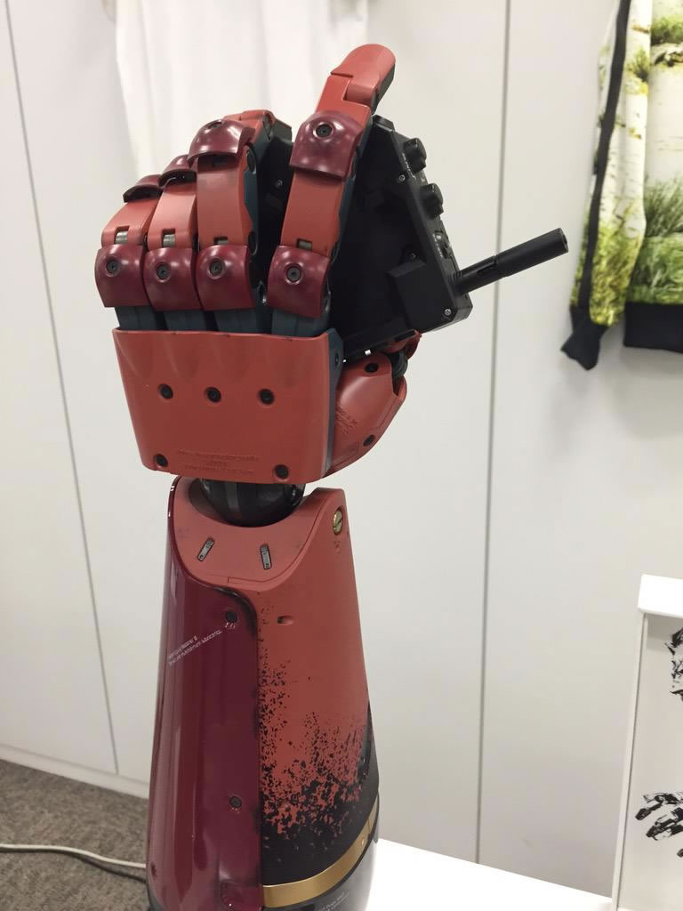 MGSV-The-Phantom-Pain-Bionic-Arm