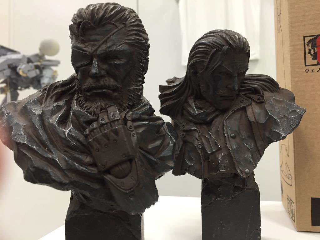 MGSV-The-Phantom-Pain-Boot-Camp-Japan-Snake-and-Ocelot-Bust