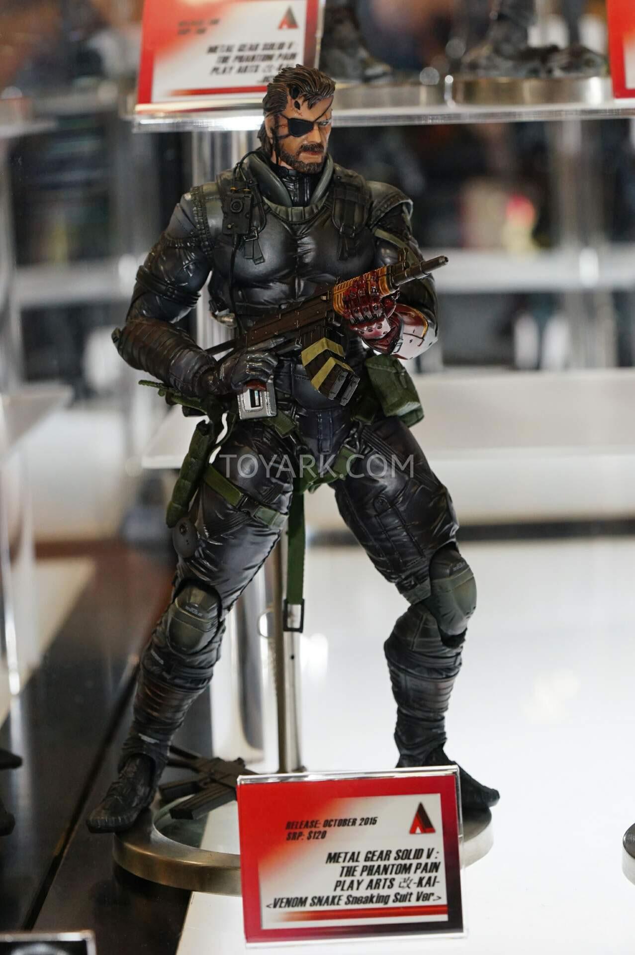 SDCC-MGSV-TPP-Figure-Venom-Snake-Sneaking-Suit