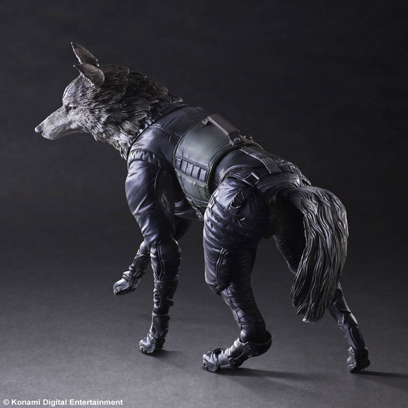 Play-Arts-Diamond-Dog-3