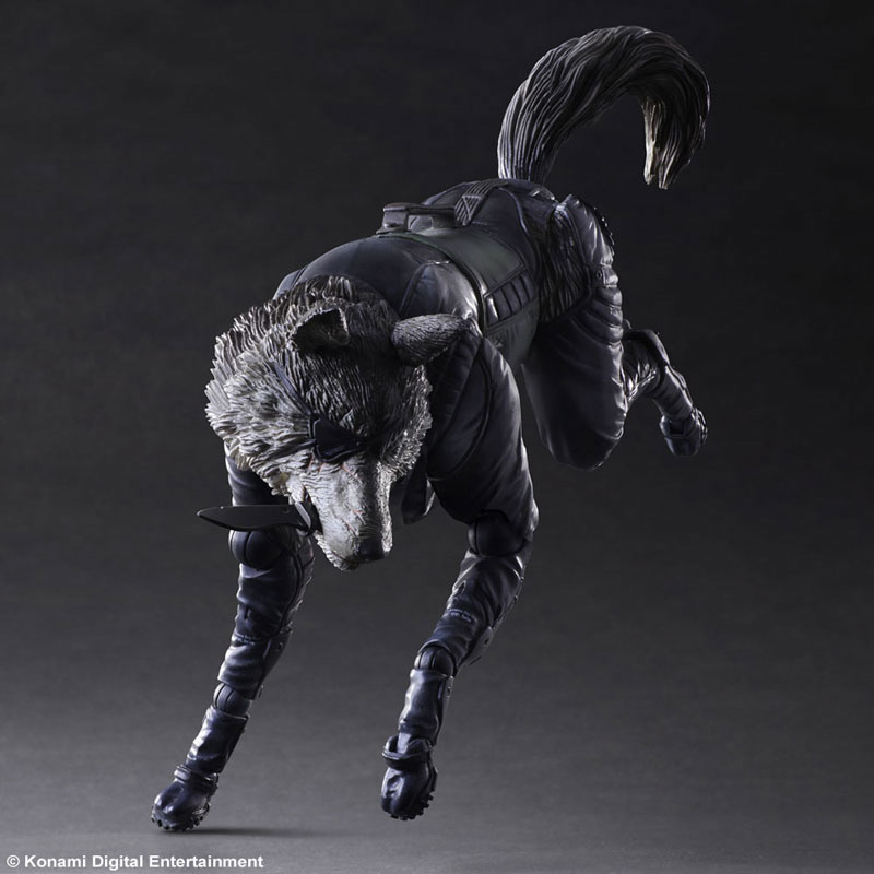 Play-Arts-Diamond-Dog-4