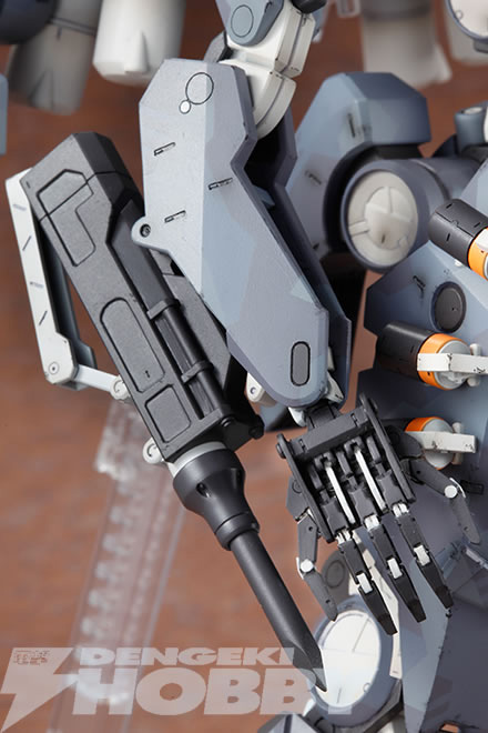 Kotobukiya-Metal-Gear-Sahelanthrophus-16