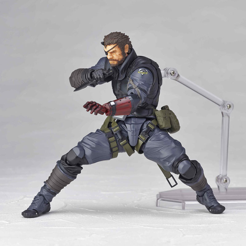 Vulcanlog-Metal-Gear-Solid-V-Venom-Snake-Sneaking-Suit-Version-10