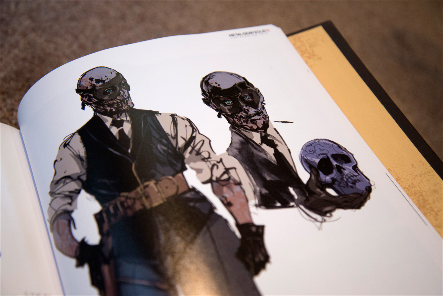 Metal-Gear-Solid-V-The-Phantom-Pain-Collector's-Edition-Skull-Face-Art