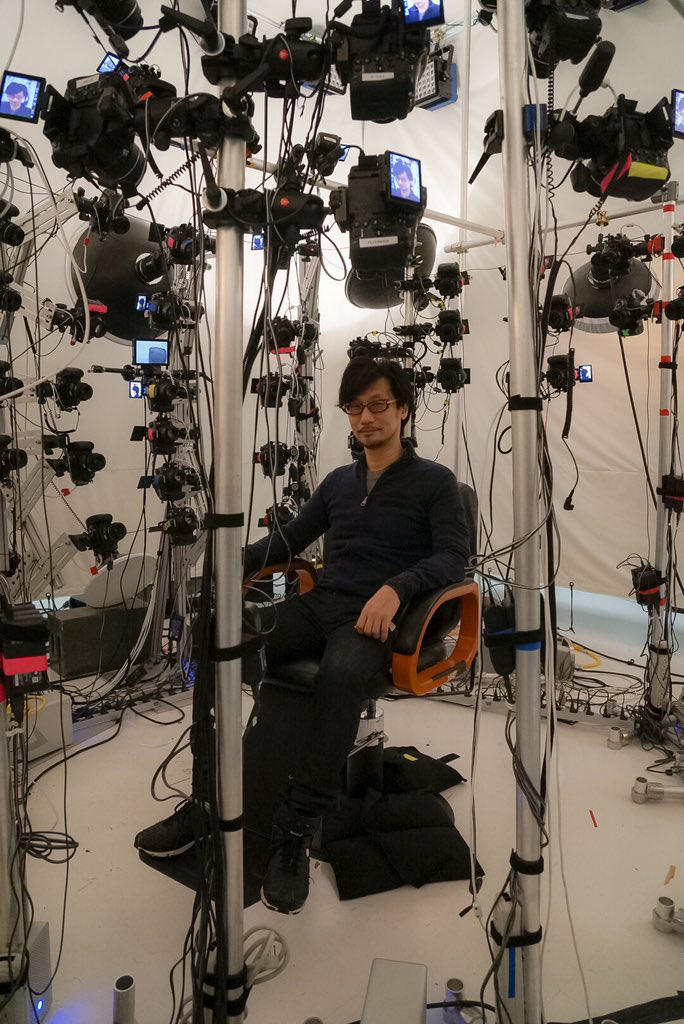 Hideo-Kojima-Checking-Performance-Tech-2