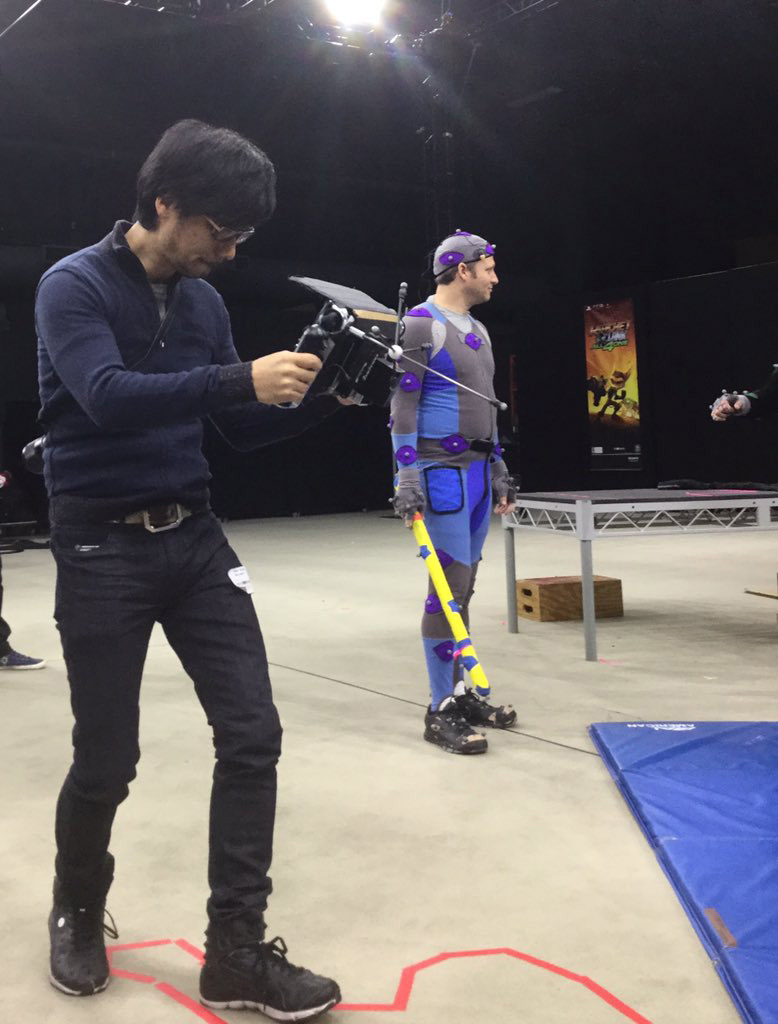 Hideo-Kojima-Checking-Performance-Tech