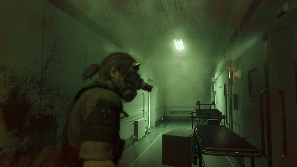 MGSV-Shining-Lights-Snake-in-Hallway