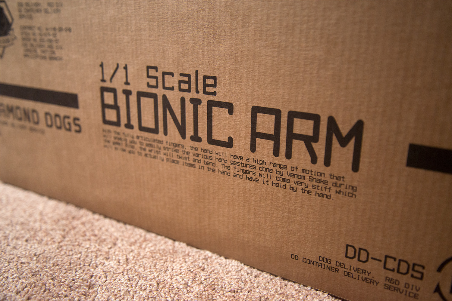 MGSV-Full-Scale-Bionic-Arm-Box-Text