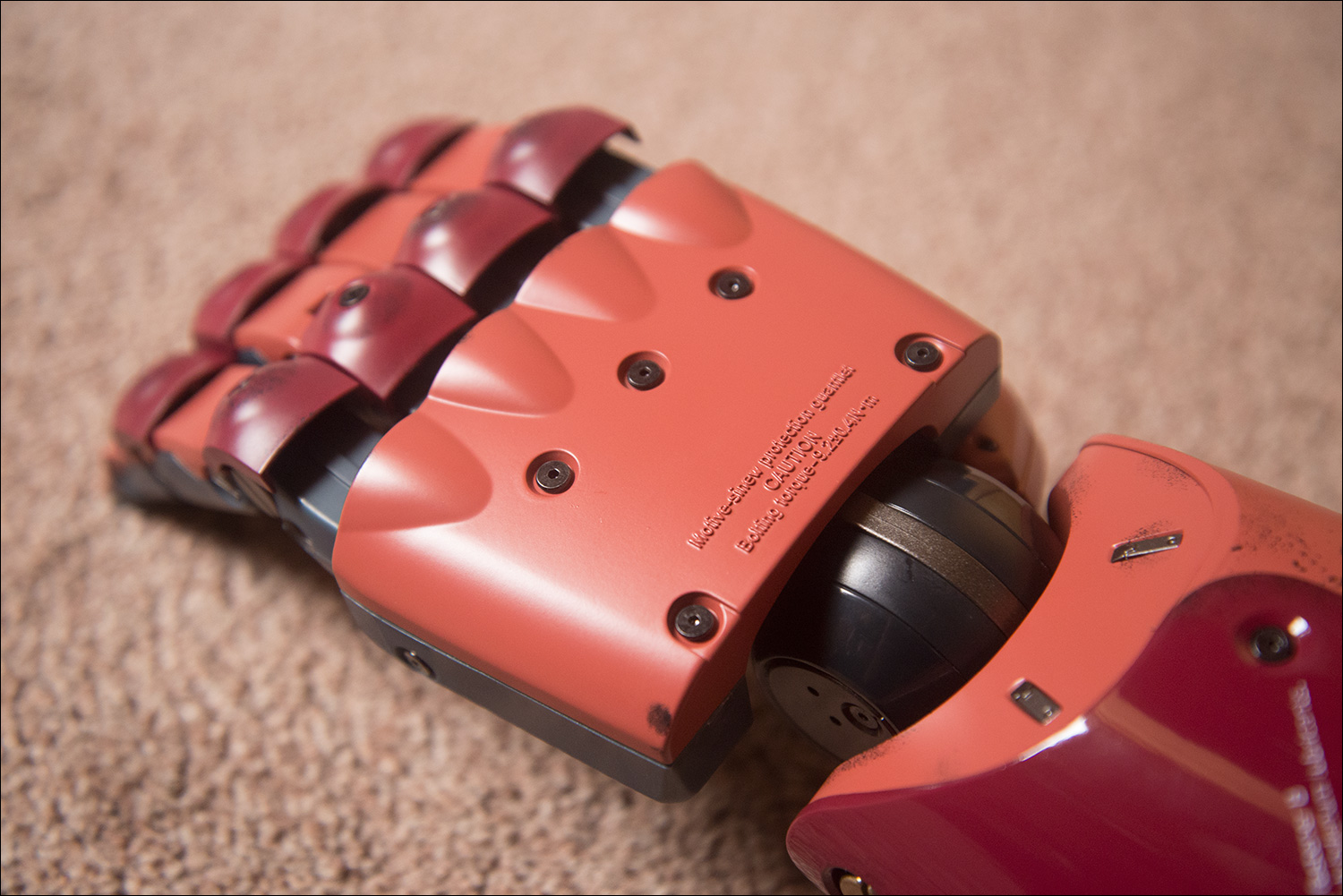 MGSV-Full-Scale-Bionic-Arm-Hand-Text