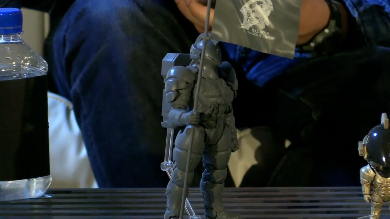 This is the Figma 1/12 scale action figure. The final version will of course be fully painted, just like all the other toys.