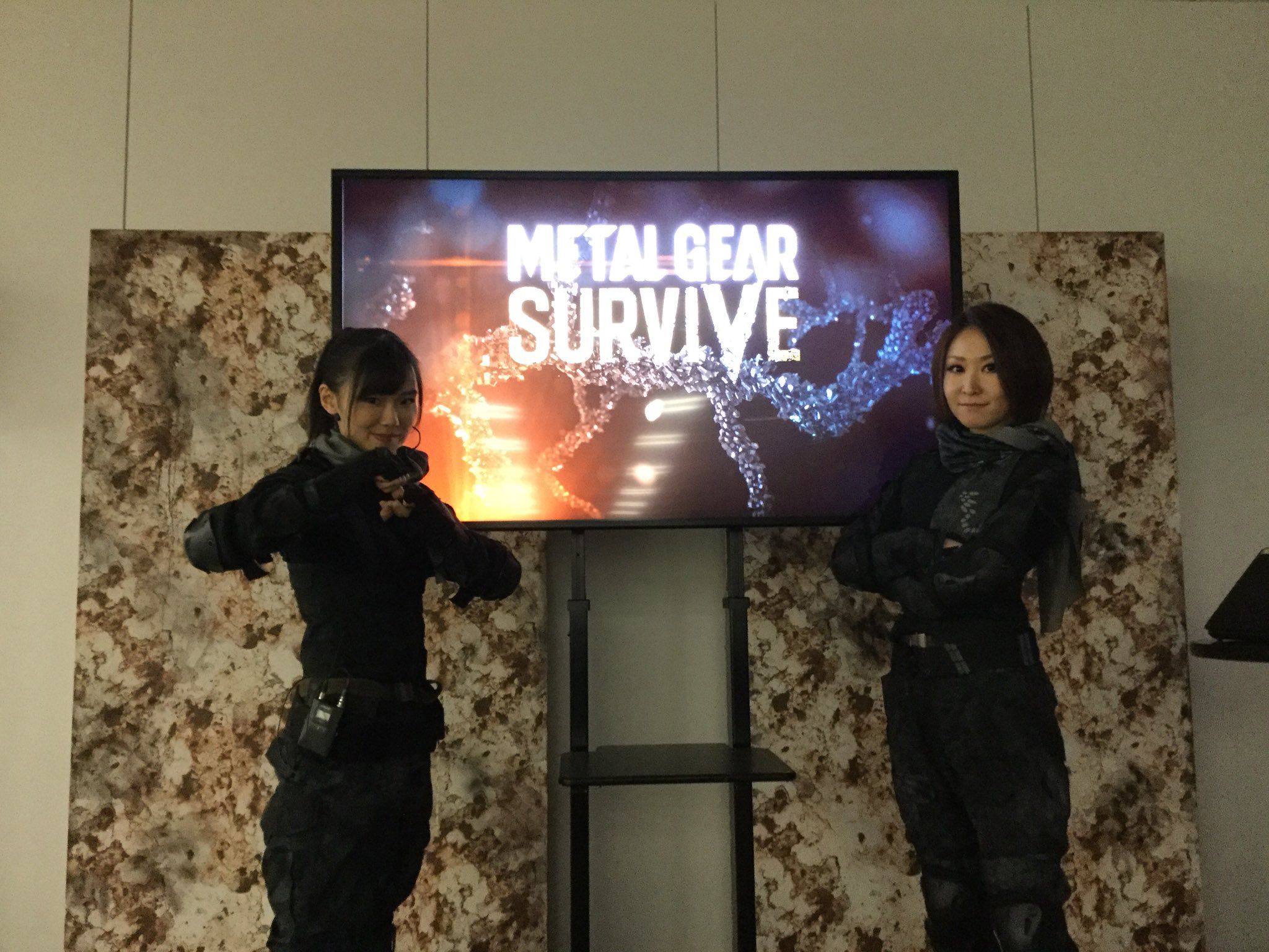 [Image: Metal-Gear-Survive-November-Event-Japan-1.jpg]
